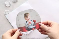 Get a free printable snow globe template to create your own DIY snow globe card. An easy handmade Christmas card idea for kids to help make! Christmas Card Crafts, Xmas Cards, Christmas Ideas, Christmas Ornaments, Paper Crafts For Kids, Diy For Kids, Globe Outline, Photo Snow Globes, Diy Snow Globe