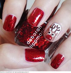 22 Santa-Approved Christmas Manicures  thebeautygypsy.com