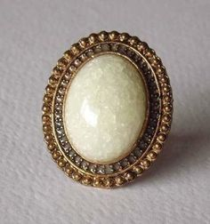 Antiue Ring-Oval Image