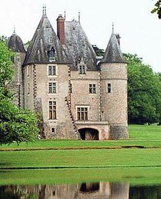 Chateau - Alpes de Hautes Provence Real Castles, French Castles, Beautiful Castles, Castle Ruins, Castle House, French Architecture, Beautiful Architecture, Chateau Medieval, Arquitetura