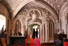 Um dos cartões de visita de Portugal. O Palácio da Pena, em Sintra, destaca-se pela sua monumentalidade, mas sobretudo pelas sua mistur...