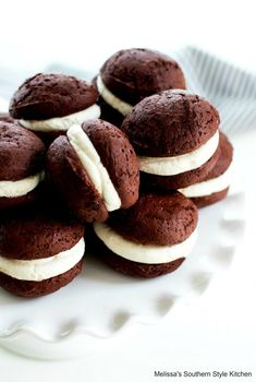 Soft pillowy chocolate cookies sandwiched with a marshmallow cream is the ultimate handheld treat #whoopiepies #chocolate #chocolatewhoopiepies #chocolatepie #holidaybaking #holidaydesserts #marshmallows #cookies #southernfood #southernrecipes #desserts #dessertfoodrecipes Chocolate Gobs Recipe, Chocolate Whoopie Pies, Chocolate Cake Mixes, Chocolate Flavors, Chocolate Ganache, Cake Mix Whoopie Pies, Whoopie Pie Filling, Cake Mix Cookies, Cupcakes