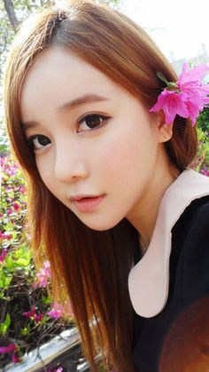 Cute Ulzzang makeup with lenses. Get more in http://www.uniqso.com/big-eyes-circle-lenses  ==== #Ulzzang #CircleLenses #ColoredContacts