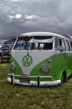 VW Split Window Bus Print. $25.00, via Etsy.
