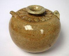 SmalI Jug. North Vietnam, L Dynasty (1009-1225), l2th-l3th century. Stoneware with lotus-petal collar under crackled glaze. HS Collection  ©MAK