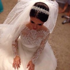 TIARA AND FOUNTAIN VEIL 36 Stunning Wedding Veils That Will Leave You Speechless - Cosmopolitan.com