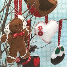 Here are some wonderful Christmas Traditions to help you for Christmas 2016 / a lovely collection of antique ornaments / Photo sou… Diy Christmas Crackers, Homemade Christmas Decorations, Felt Decorations, Felt Christmas Ornaments, Handmade Christmas, Christmas Holidays, Handmade Felt, Homemade Ornaments, Diy Ornaments