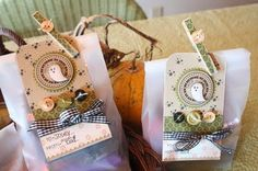 Cute Halloween tags with clothespins Halloween Favors, Halloween Tags, Halloween Food For Party, Happy Halloween, Mish Mash, Pretty Packaging, Paper Cards, Treat Bags, Trick Or Treat