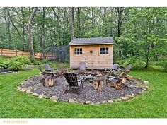 Creative And Inexpensive Unique Ideas: Rock Fire Pit Shape fire pit seating art.Large Fire Pit How To Build fire pit cover decks. Pallet Fire Pit, Fire Pit Wall, Fire Pit Area, Easy Fire Pit, Small Fire Pit, Modern Fire Pit, Fire Pit Chairs, Fire Pit Seating, Seating Areas