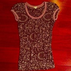 Black and gray patterned top Short-sleeve patterned top from Forever 21.  In perfect condition Forever 21 Tops