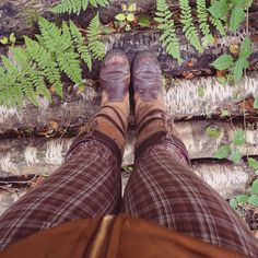 "Gefällt 348 Mal, 10 Kommentare - Charlotte 🇬🇧 (@charlotte.in.england) auf Instagram: ""Woodland wandering 🌲 . . . #woodland #wood #woods #tree #trees #fern #dubarry #dubarryboots…"" Dubarry Boots, Country Fashion, English Countryside, British Style, Logs, Fern, Woodland, Charlotte, Fall Winter"
