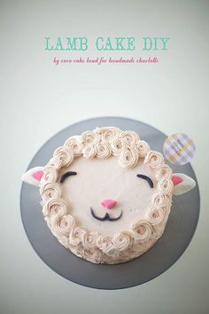 DIY Fluffy Lamb Cake Decorating Tutorial. Easy step-by-step instructions to make this gorgeous little sheep cake!