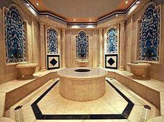 City Break Istanbul - Hotel Barcelo Eresin Topkapi 5*- se afla in apropiere de atractii turistice precum: Hagia Sofia, Palatul Topkapi şi Marele Bazar. Camerele hotelului sunt moderne si spatioase