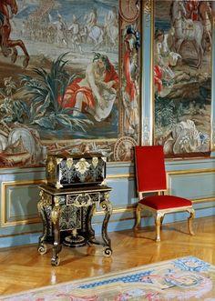Sir John Vanbrugh and Nicholas Hawksmoor. Interior of the third state room at Blenheim Palace. Nicholas Hawksmoor, State Room, Blenheim Palace, Palaces, Needlework, Tapestry, Interior, Painting, Decor