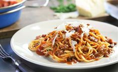 I'm checking out a delicious recipe for Easy Italian Spaghetti from Fry's! Italian Spaghetti Recipe, Spaghetti Recipes, Fry S, Gluten Free Pasta, Vegetarian Cheese, Ground Beef, Entrees, Easy Meals, Veggies