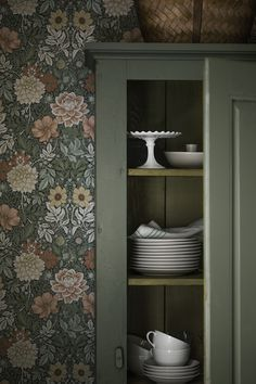 Falsterbo III - wallpaper patterns with vintage and rustic styling Cottage Wallpaper, Home Wallpaper, Wallpaper Patterns, Inspirational Wallpapers, Scandinavian Living, Home Decor Inspiration, My Dream Home, Decoration, Sweet Home