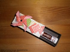 Geschenkbox zum Aufschieben. Stampin' Up! Stampin Up, Packing, Scrapbook, Candy, Paper, Stocking Stuffers, Packaging, Creative, Do Crafts
