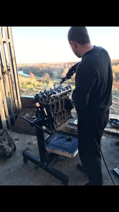 Who says cleaning up an engine can't be enjoyable! Doing a job you love overlooking one of the best country views in Canterbury, I think we're pretty lucky. If you require any engine work drop by as we've got some exceptionally skilled technicians. We're always happy to help 😊 #oaks #garage #canterbury #car #van #engine