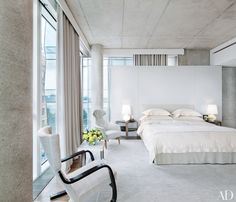 Bedroom interior design and decor ideas - white - neutral color - White Bedrooms Done Right : Architectural Digest Architectural Digest, Minimalist Bedroom, Modern Bedroom, Bedroom Decor, White Bedrooms, Neutral Bedrooms, Bedroom Ideas, Stylish Bedroom, Modern Wall