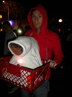 easy ET Halloween Costume halloween Halloween Costume Awards, Homemade Halloween Costumes, Pop Culture Halloween Costume, Halloween Diy, Halloween Dress, Halloween Makeup, Halloween Clothes, Halloween Couples, Halloween Carnival
