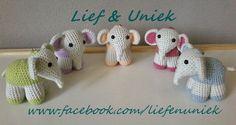 Lieve olifantjes, kant-en-klare sleutelhangers. Leuk om te hebben of kado te geven! Patroontje ook beschikbaar. Zie www.facebook.com/liefenuniek.