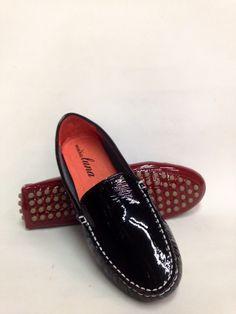 Loafers rojos y negros