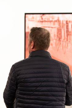 Mahir Jahmal TITEL: Stephansdom  TECHNIK: C-Print auf Alu, Aufnahme mit einer Sinar F2 4x5inch Großformatkamera (analog), SW Entwicklung vom Film - Hi Res Scan - Laserbelichtung auf Fujiflex Metallic GRÖSSE: 100 x 125 cm JAHR: 2019 Manners, Movie