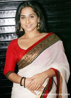#VidyaBalan throws a ladoo party on the sets of 'Ferrari Ki Sawari' : The Kahaani actor surely knows how to win hearts be it in real or reel life  Vidya Balan has an uncanny knack of doing things differently. Be it her role in recent movies like The Dirty Picture and Kahaani or celebrating her first item number with the crew of Ferrari Ki Sawari.