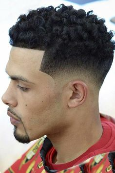 The high top fade haircut is one of the most popular haircuts for men with natural hair. High Top Fade Haircut, Drop Fade Haircut, Types Of Fade Haircut, Haircuts Straight Hair, Black Men Haircuts, Black Men Hairstyles, Trending Hairstyles, Afro Hairstyles, Haircuts For Men