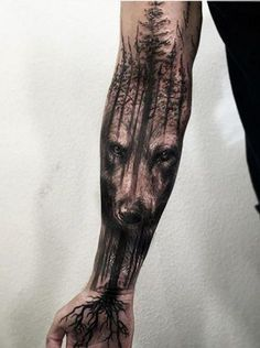 Wolf tattoo design ideas for men and woman Tree Sleeve Tattoo, Nature Tattoo Sleeve, Full Sleeve Tattoos, Tattoo Tree, Tattoo Nature, Half Sleeve Tattoos Forearm, Wolf Tattoos Men, Leg Tattoos, Body Art Tattoos