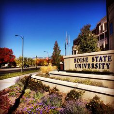 A gorgeous autumn day on the Boise State campus!