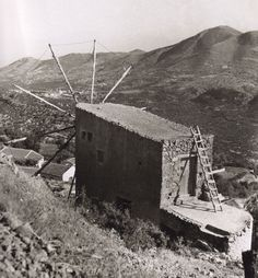 80 ανεκτίμητες φωτογραφίες της Κρήτης 1911 - 1949 - zarpanews.gr Old Photos, Vintage Photos, Heraklion, Crete Greece, Old Maps, Local History, Heaven On Earth, The Locals, Past