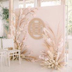 Decoration Evenementielle, Backdrop Decorations, Backdrop Ideas, Wedding Backdrop Design, Ceremony Backdrop, Wedding Backdrops, Wedding Stage, Wedding Ceremony, Wedding Shot