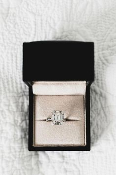 The most extensive of engagement customs is the groom presenting his bride-to-be to be with a ring. The majority of frequently, the engagement ring is a diamond ring. Nevertheless, diamonds are not the only precious stones utilized in engagement rings. Wedding Rings Simple, Diamond Wedding Rings, Diamond Rings, Wedding Bands, Wedding Things, Wedding Stuff, Perfect Wedding, Dream Wedding, Blue Wedding