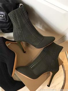 72.00$  Watch more here - http://aiefg.worlditems.win/all/product.php?id=32787031782 - New Arrival Kim Stretch Knit Ankle Boots Women Pointed Toe Square High Heel Short Boots Fashion Socks Boots 8.5CM 10CM heel
