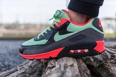 """Nike Air Max 90 Essential """"Vapor Green"""""""