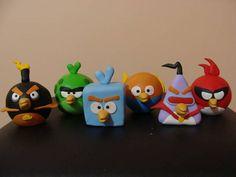 Bonecos Angry birds feitos em biscuit.  **R$ 55,00 = composto pelos 6 bonecos  ** Tamanho= 50 mm de diâmetro R$ 60,00