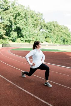 Athleta Free Run Jacket // Running HIIT workout -- a quick and effective workout that you can do on a track, on the road or a treadmill. High Intensity Workout, Intense Workout, Running On Treadmill, Running Track, Running In The Dark, Build Muscle Mass, Extreme Workouts, Running Shirts, Aerobics