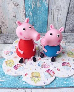Peppa and George by Kmeci Cakes Peppa Pig, George Pig Cake, Fondant Animals, Fondant Cake Toppers, Baby Birthday, Birthday Ideas, Clay Figures, Clay Creations, Cake Designs