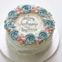 New Cake Frosting Designs Dessert Recipes Ideas Cake Frosting Designs, Easy Buttercream Frosting, Cake Icing, Cupcake Cakes, Cake Fondant, Cake Decorating Designs, Easy Cake Decorating, Cake Decorating Techniques, Birthday Cake Decorating