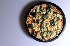 Healthy sweet potato pie with spinach and feta cheese // Fuldkornstærte med søde kartofler, spinat og feta - anna-mad. Potato Pie, Sweet Potato, Spinach And Feta, Potatoes, Breakfast, Healthy, Blog, Spinach, Breakfast Cafe