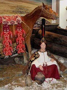 """Горный Алтай : «Принцесса Укока» : Восстановленный образ женщины, захороненной в кургане Ак-Алаха-3  Gorny Altai: """"Princess of Ukok"""": Restored image of a woman buried in the mound Alakha Ak-3"""