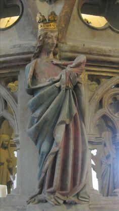 Darstellung der Jungfrau Maria mit dem Jesuskind an der Mauritiusrotunde im Konstanzer Münster (mitte 13. Jhd.)