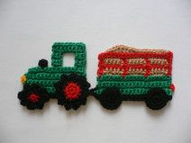 Traktor mit Heuwagen - Häkelapplikation Crochet Car, Crochet For Boys, Crochet Granny, Crochet Gifts, Crochet Motif, Baby Blanket Crochet, Crochet Flowers, Crochet Toys, Crochet Applique Patterns Free