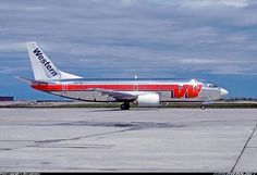Western Airlines Boeing 737-347 N307WA only days after delivery at Salt Lake City-International, April 1986. (Photo: Jim Lawrence)