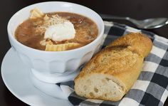 Take the work out of traditional lasagna with this easy slow-cooker soup recipe!