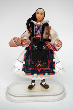 Romania Arta Crisana Doll Bihor Moldova, Miss World, Love Affair, Traditional Dresses, Ethnic, Costumes, Embroidery, Travel, The World