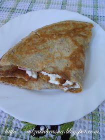 LCHF tortilja Za 1 tortilju potrebno je:  - 1 jaje B klase - 30g kisele pavlake - 20g LCHF brasna (po 100g samlevenih badema, sirovog suncokreta, lanenih semenki, kokosovog brasna i opciono malo cimeta) - vrlo malo soli - truncica putera za podmazivanje tiganja za palacinke
