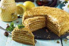 Domácí medovník Czech Recipes, Ethnic Recipes, Lithuanian Recipes, European Cuisine, Christmas Sweets, Cornbread, Tiramisu, Cake Decorating, Recipies