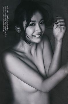 山崎真実 ノーブラ 絶大な人気を誇った元トップグラドルの熟ボディ – アイドルH画像